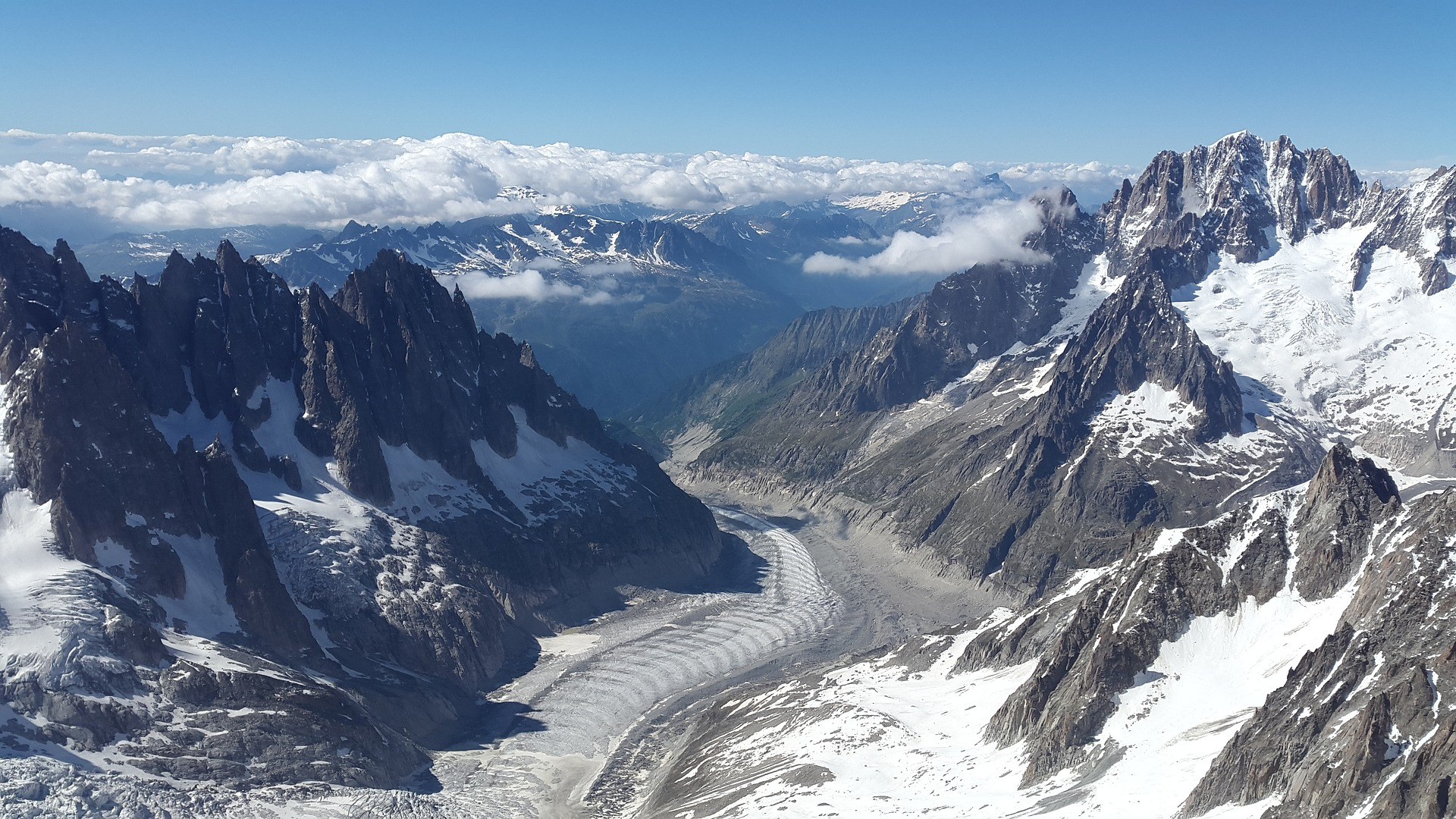 Hike Mer de Glace Chamonix with Russell Tours